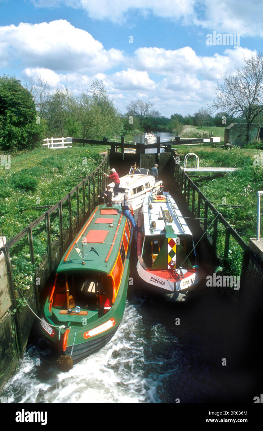 Garston turf sided lock on the Kennet and Avon Canal at Theale in Berkshire England UK - Stock Image