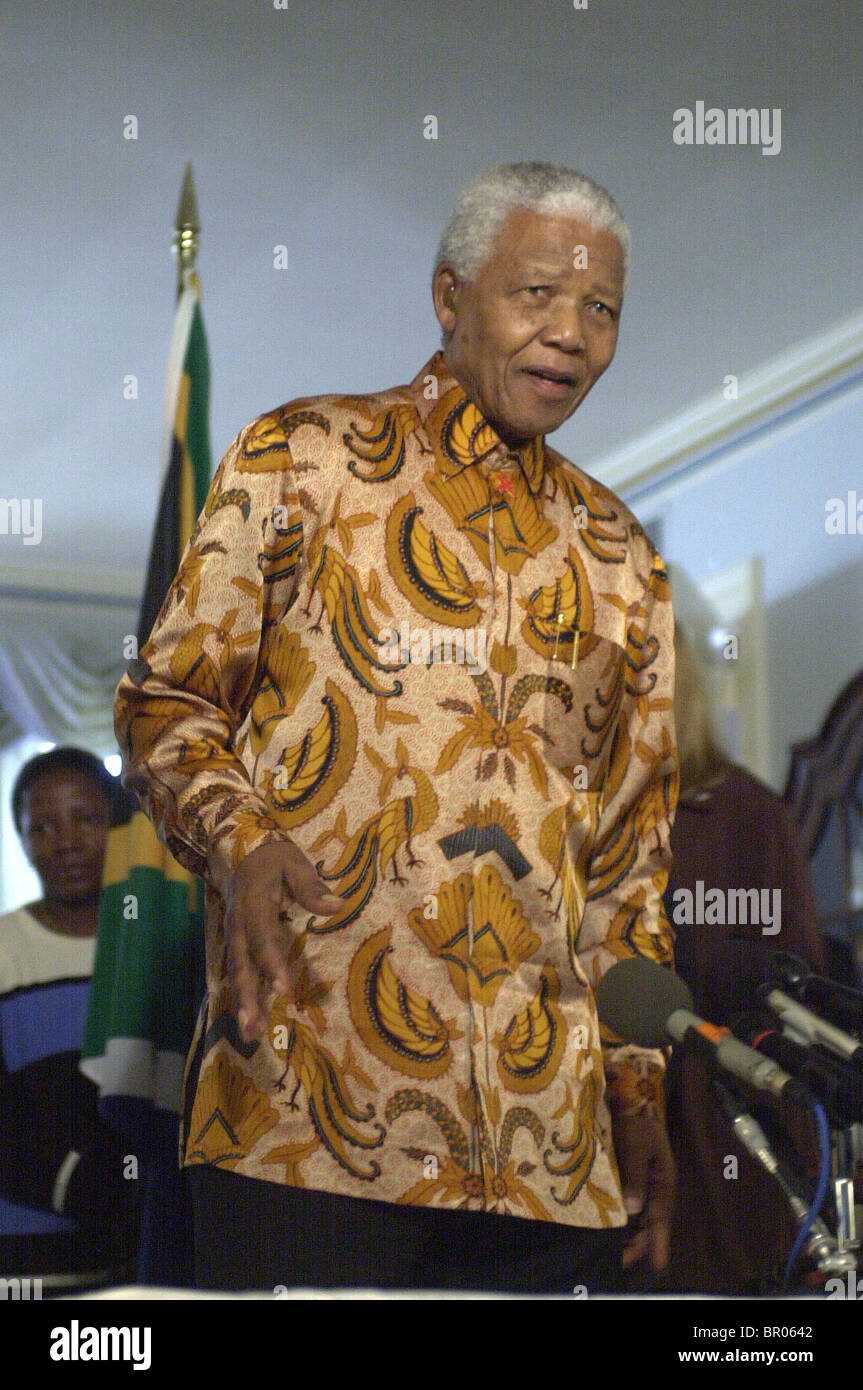 Nelson Mandela speaks during a new conference. - Stock Image