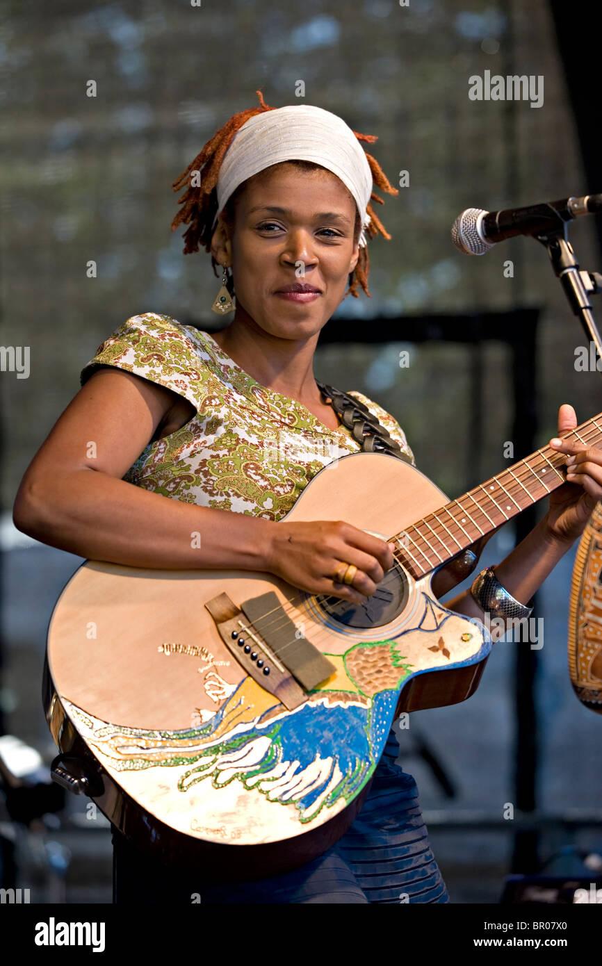 Jazz singer Carmen Souza performing at the Tunbridge Wells Mela - Stock Image