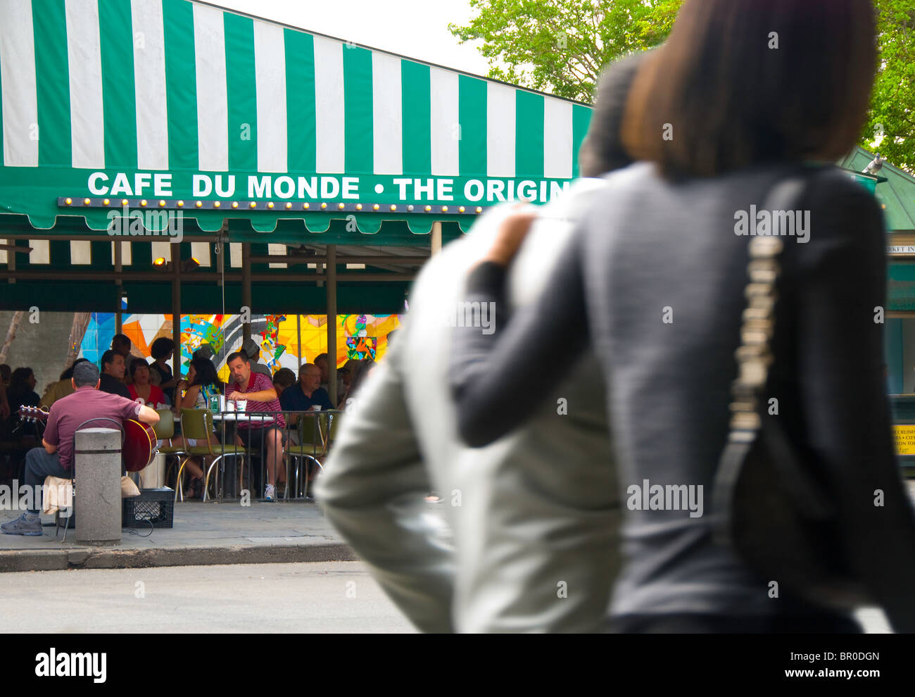 Cafe Du Monde Coffee Shop, in the French Quarter of New Orleans, Louisiana, USA - Stock Image