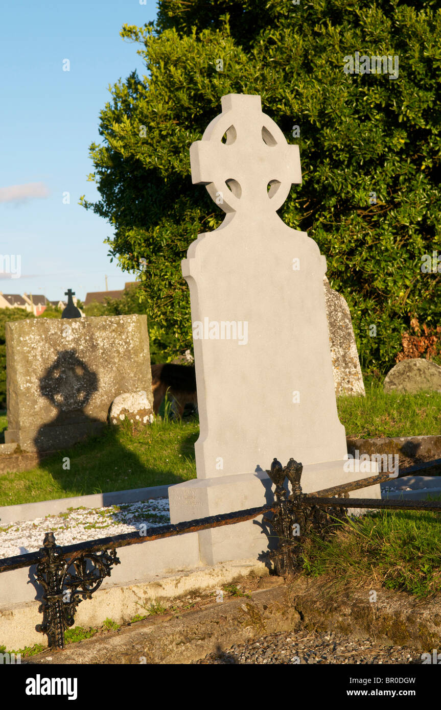 Celtic cross headstone - Stock Image