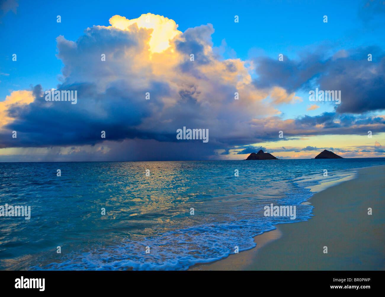 late afternoon offshore rainstorm at lanikai beach, hawaii - Stock Image