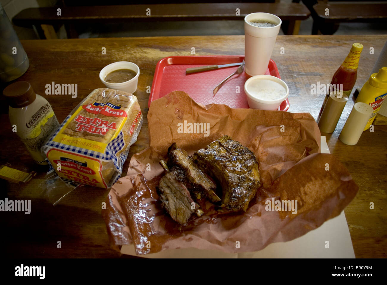 A meal ordered at a barbeque restaurant in Llano, Texas. - Stock Image