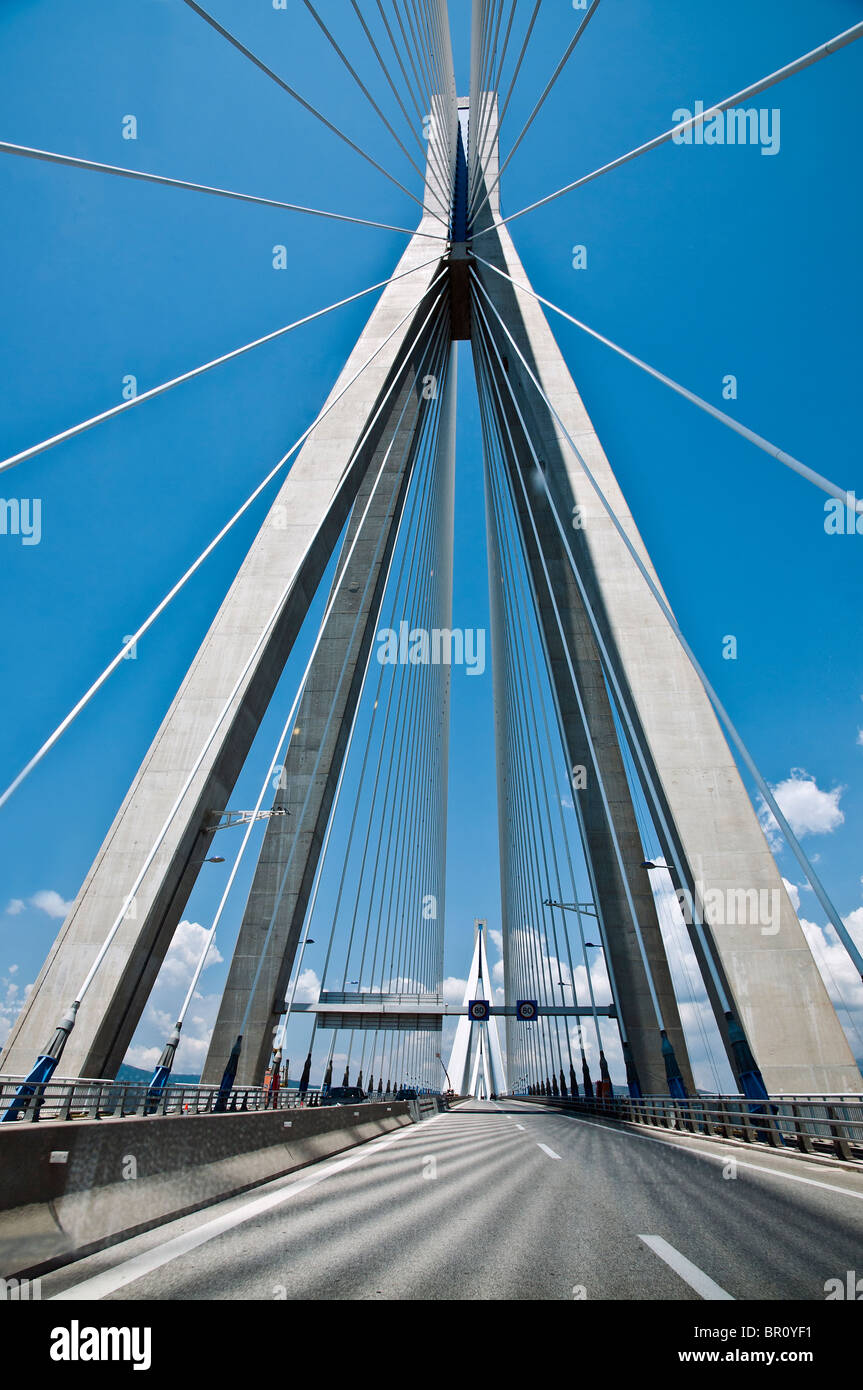 The Rio - Antirrio bridge, near Patras, linking the Peloponnese with mainland Greece across the Gulf of Korinth. - Stock Image