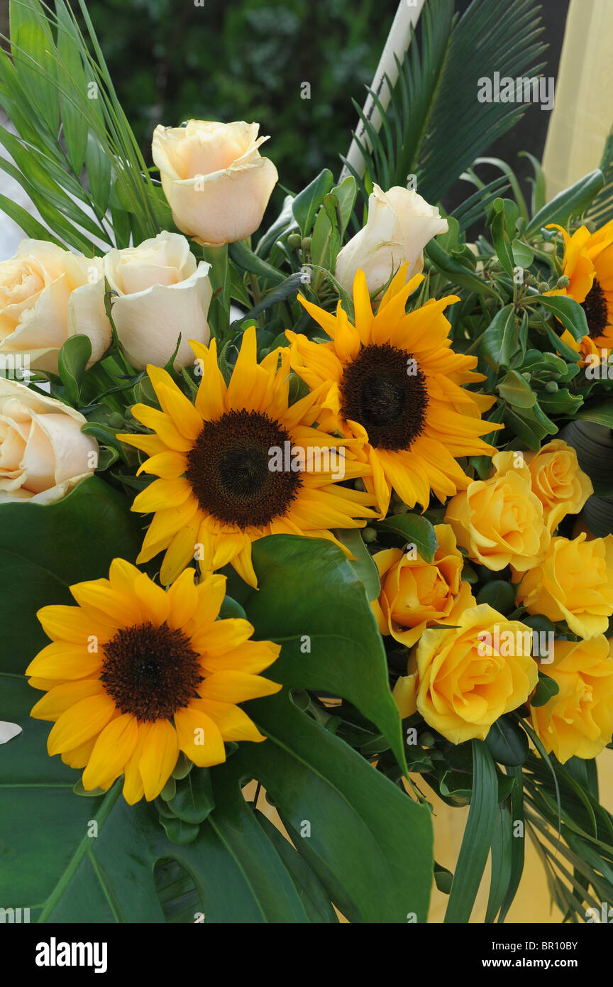 Yellow Sunflowers White Pink Roses Green Leaves Bouquet Flowers