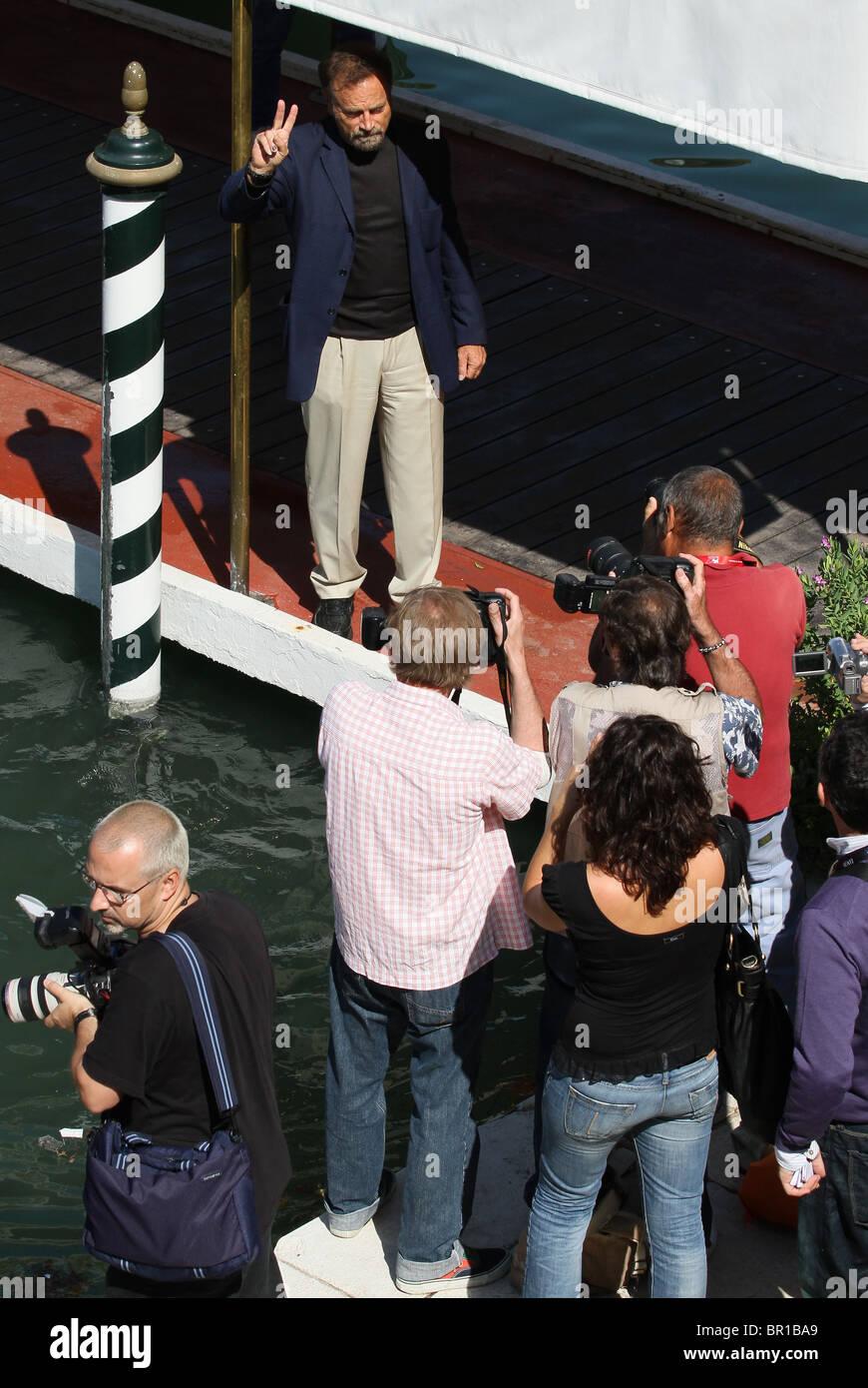 FRANCO NERO ACTOR DEPARTS LIDO. 67H VENICE FILM FESTIVAL VENICE  ITALY 09 September 2010 - Stock Image