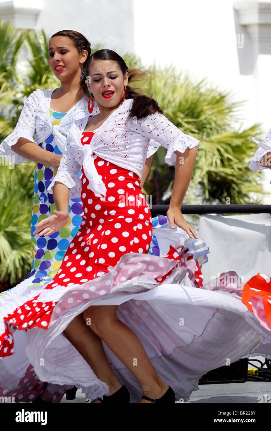 Flamenco dancers perform during Old Spanish Days celebration in Santa Barbara, California - Stock Image