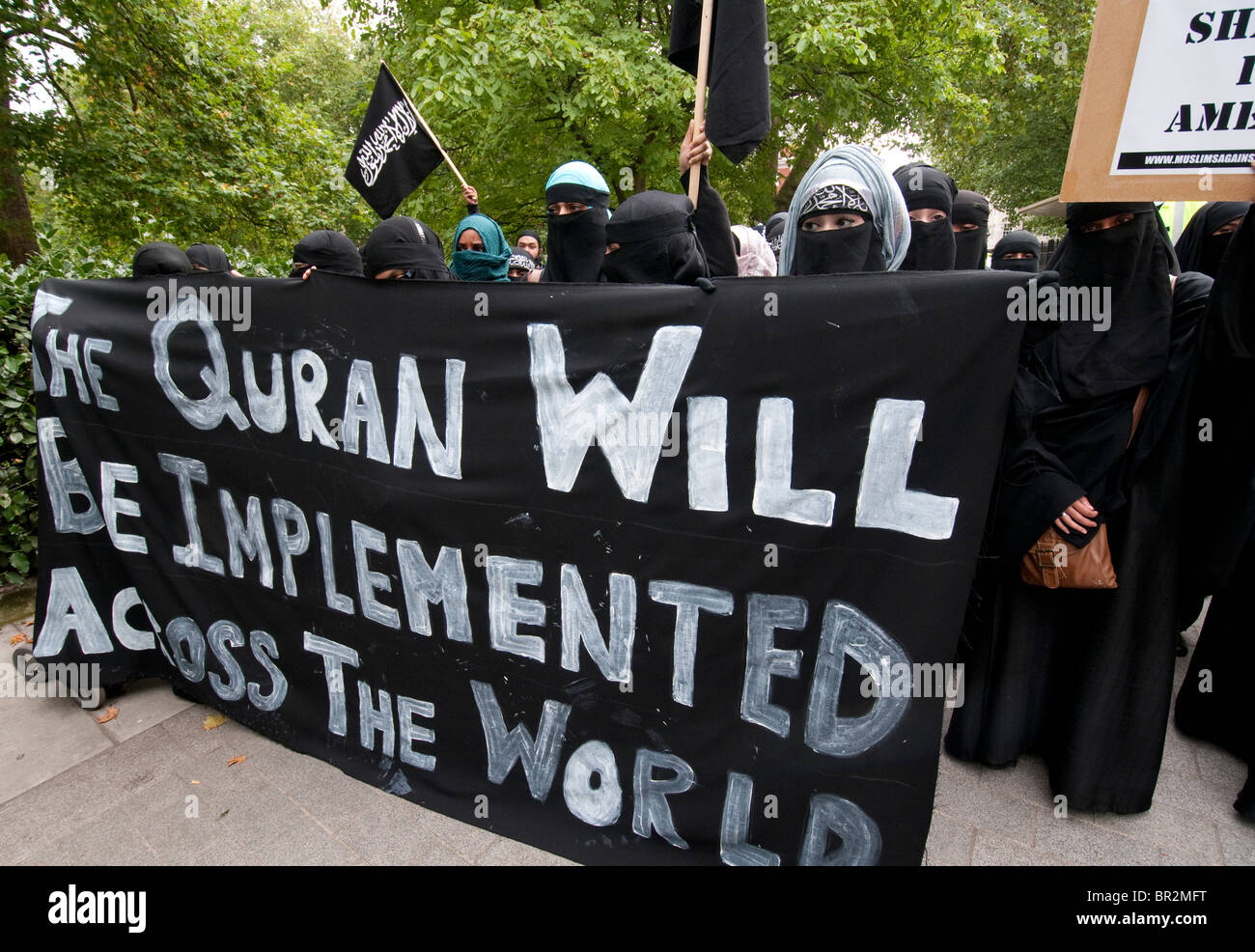 Extremist group 'Muslims Against the Crusades', led by Anjem Choudary held a protest against the threatened - Stock Image