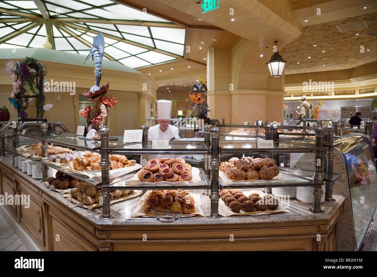 Strange A Chef In The Breakfast Buffet The Bellagio Hotel Las Interior Design Ideas Tzicisoteloinfo