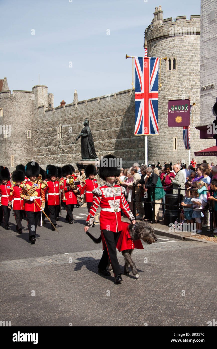 1st Battalion Irish Guards marching through Windsor before their deployment to Afghanistan - Stock Image