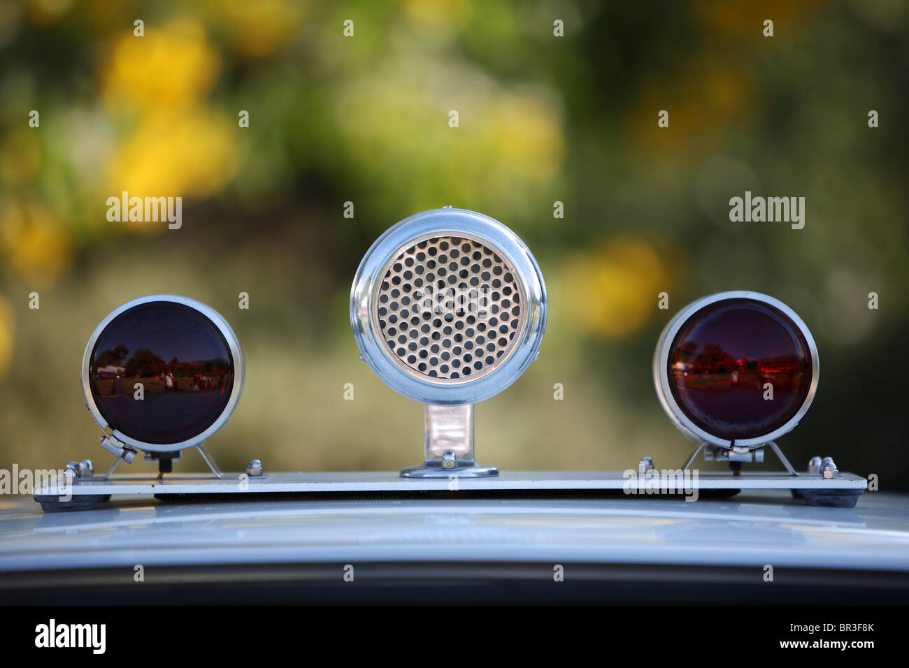 Old police siren and red lights from 1950's and 60's - Stock Image