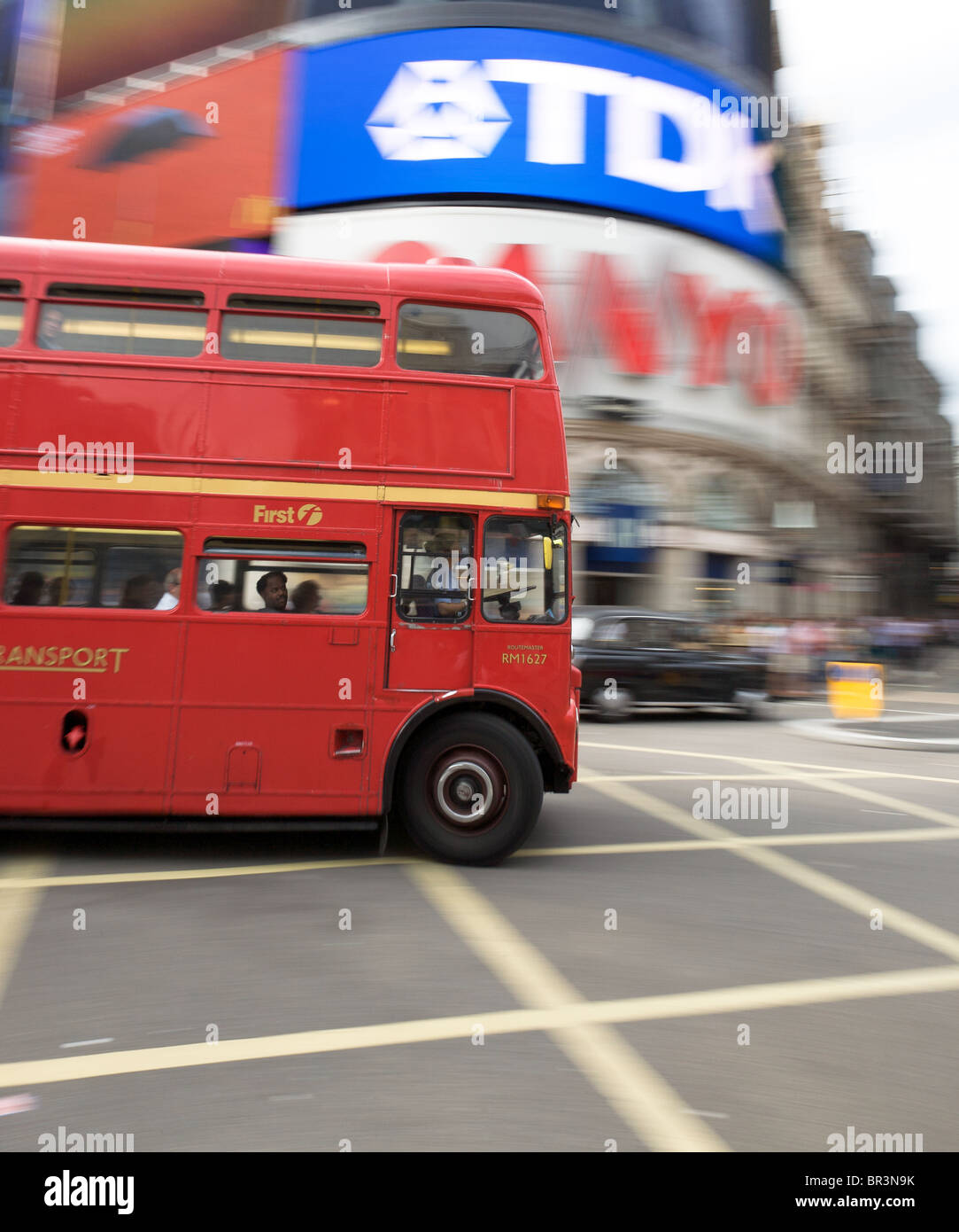 Old London Routemaster bus in Piccadilly Circus - Stock Image