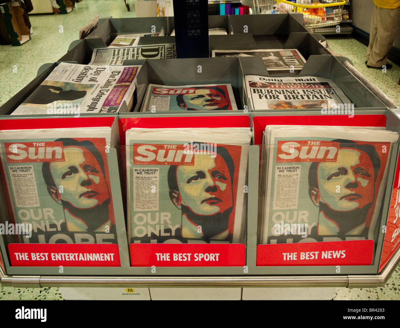 The Sun newspaper headline backing David Cameron on the day of the general election in Britain 2010 - Stock Image