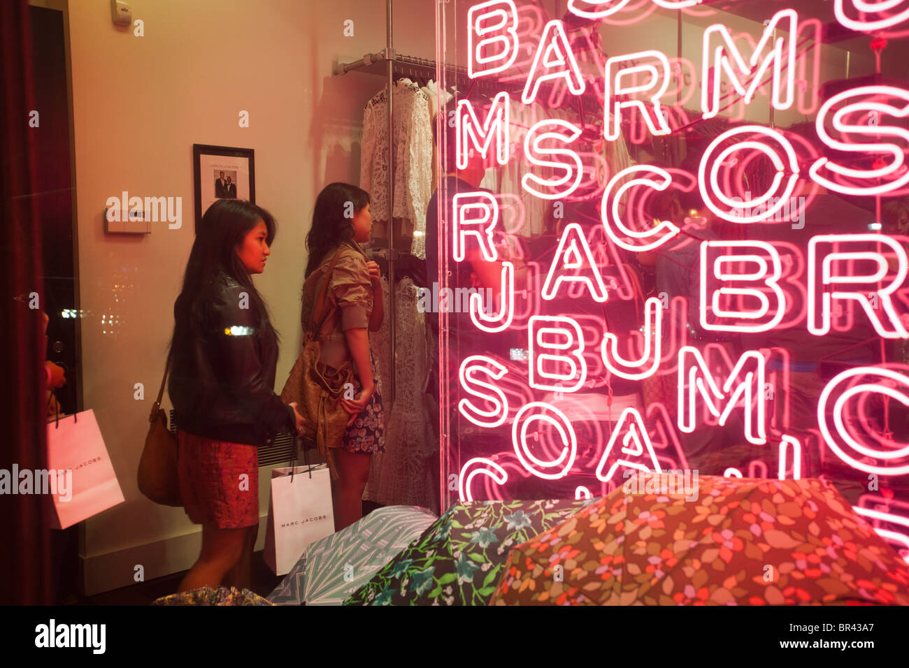 990530c559256 Shoppers at one of the Marc Jacobs boutiques on Bleecker Street in the West  Village in