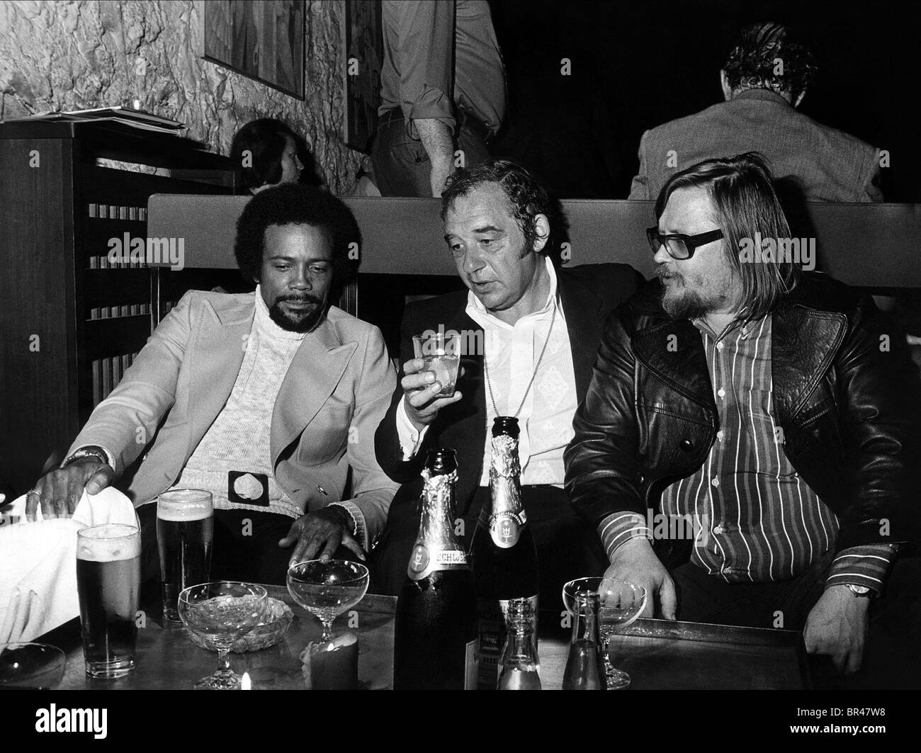 QUINCY JONES PAUL KUHN & PETER HERBOLZHEIMER GOLDEN BATON AWARD (1973) - Stock Image