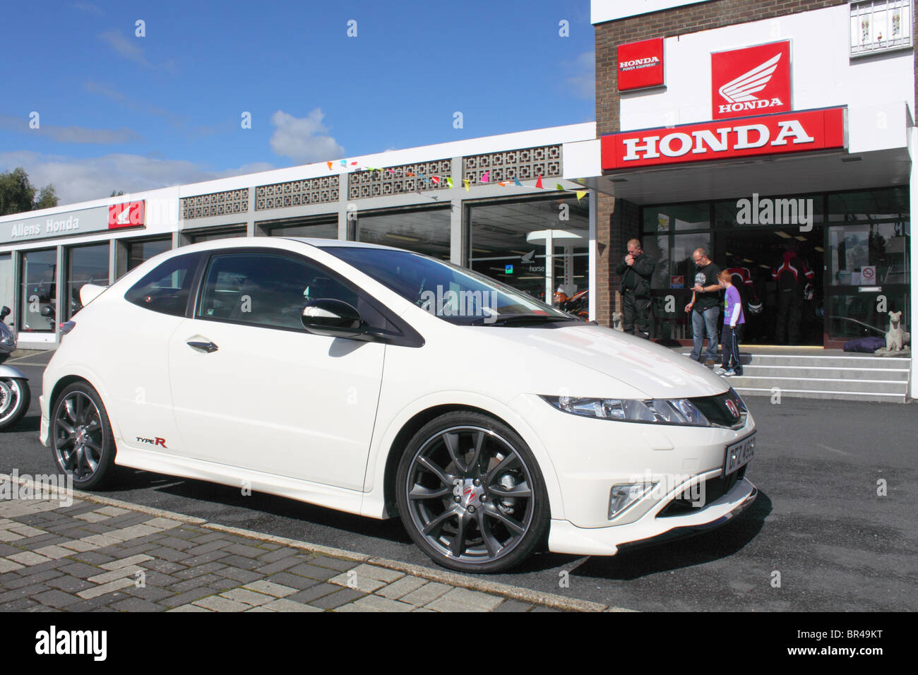 Honda civic type r stock photos honda civic type r stock for Honda civic dealership