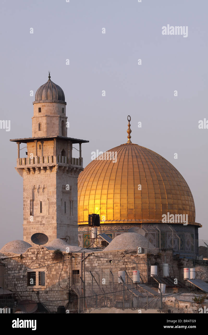 The golden Dome of the Rock at Sunset, Jerusalem - Stock Image