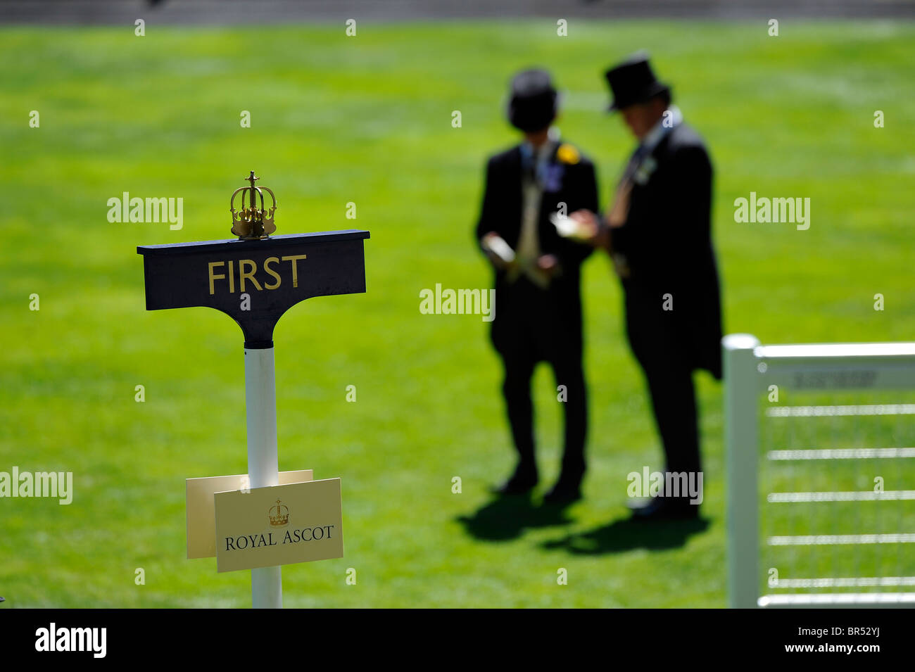 First place sign in the parade ring during day two of Royal Ascot 2010 - Stock Image