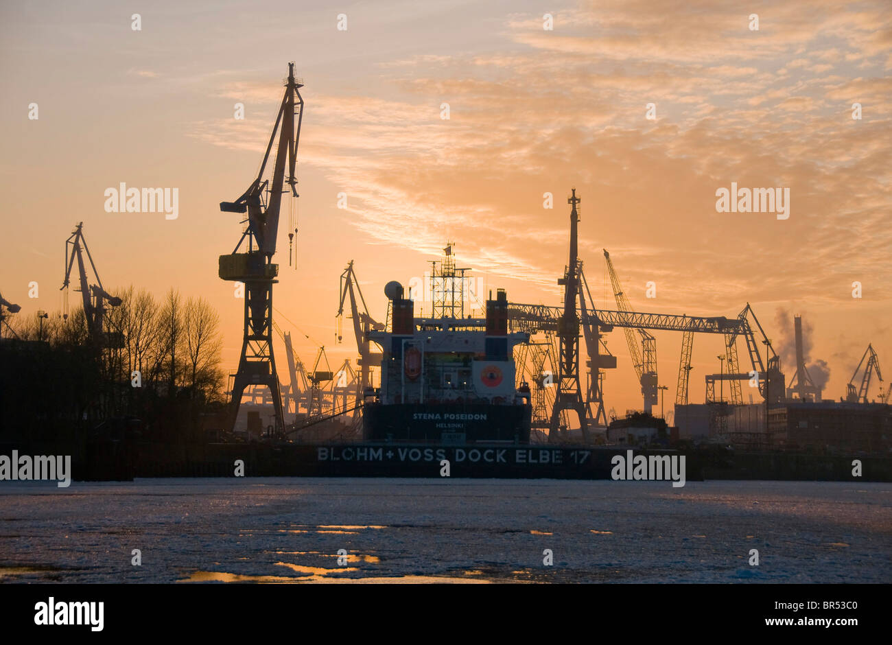 Ship in the Elbe 17 dry dock of the Blohm + Voss shipyard in Hamburg, Germany, Europe - Stock Image