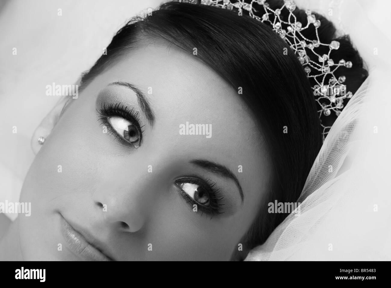 Beautiful bride wearing Tiara - Stock Image