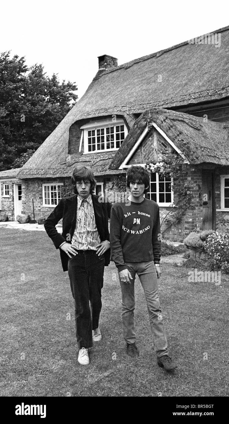 Vintage historical images of Mick Jagger and Keith Richard after the drug raid on Richard's home near Chichester Stock Photo
