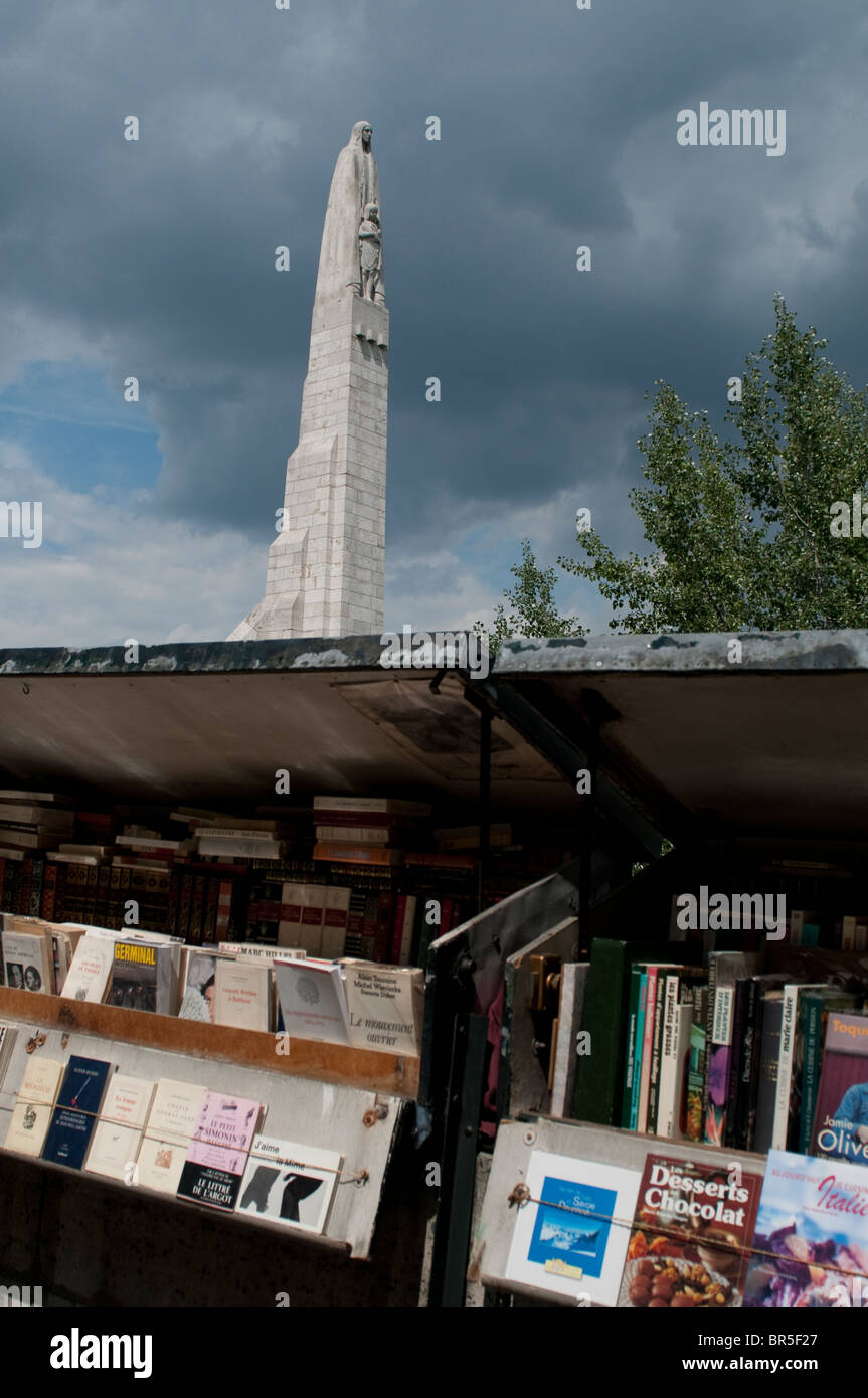Booksellers and Statue of St. Genevieve on Pont de la Tournelle, Tournelle Bridge, Paris, France - Stock Image