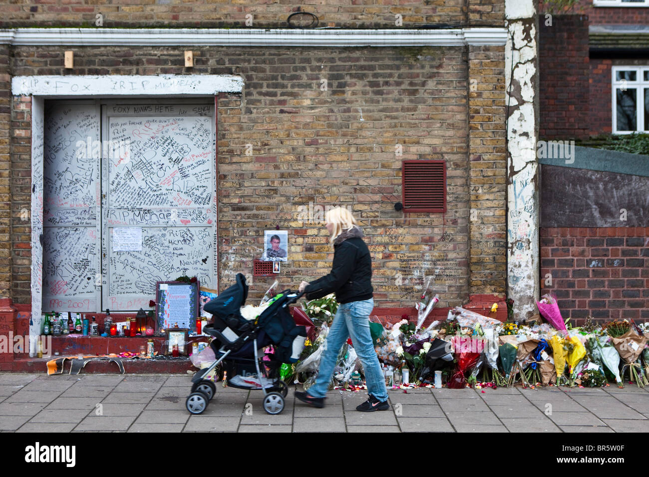 Murder site of Michael McCarthy, 19, who was attacked during a row with two men near his home in Yoakley Road, Stoke - Stock Image