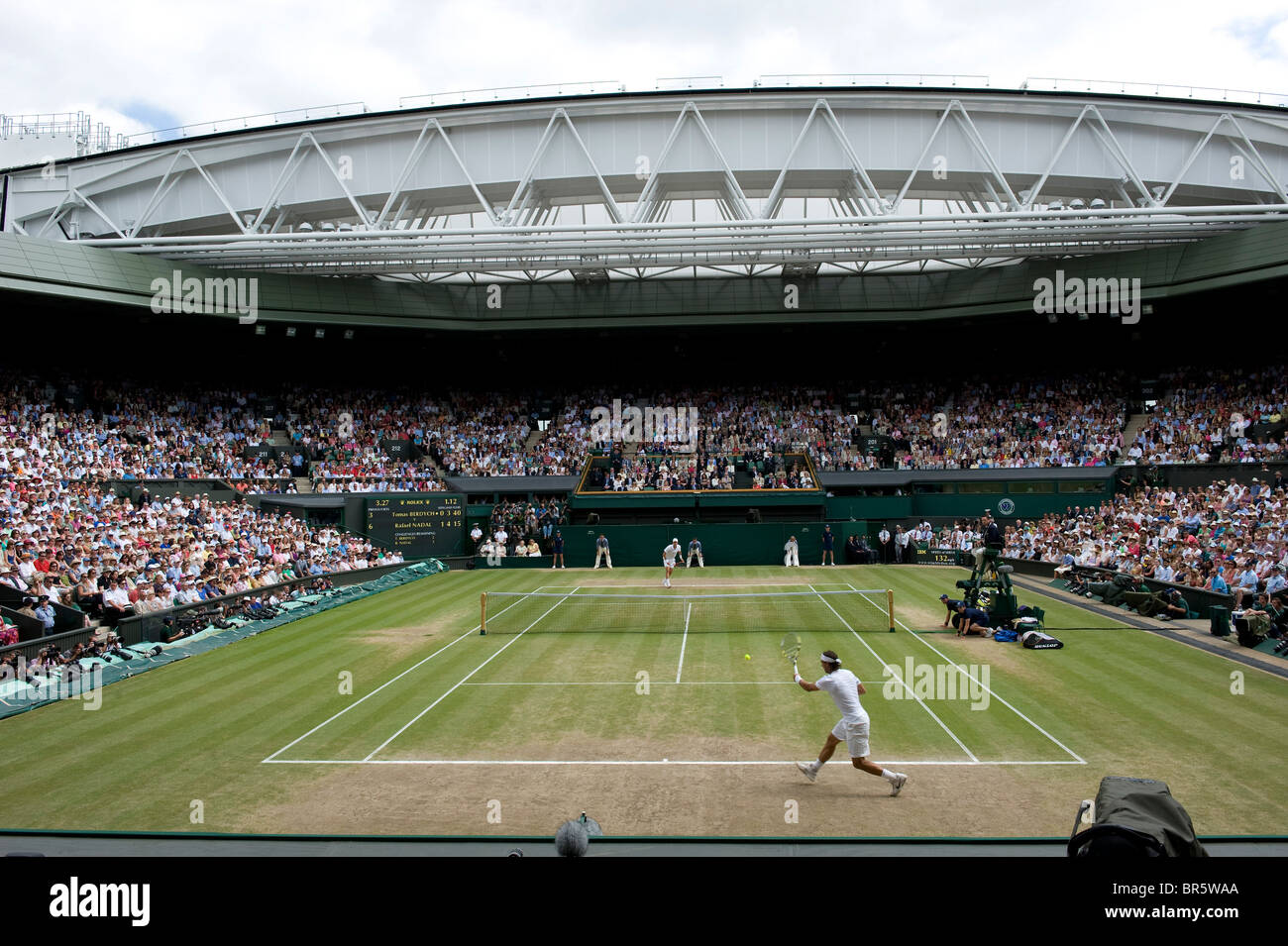 General view of Centre Court play during the mens singles final at the Wimbledon Tennis Championships 2010 - Stock Image