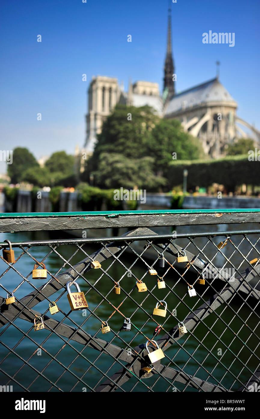 Pledges of love with padlocks aside Notre Dame de Paris, France. - Stock Image