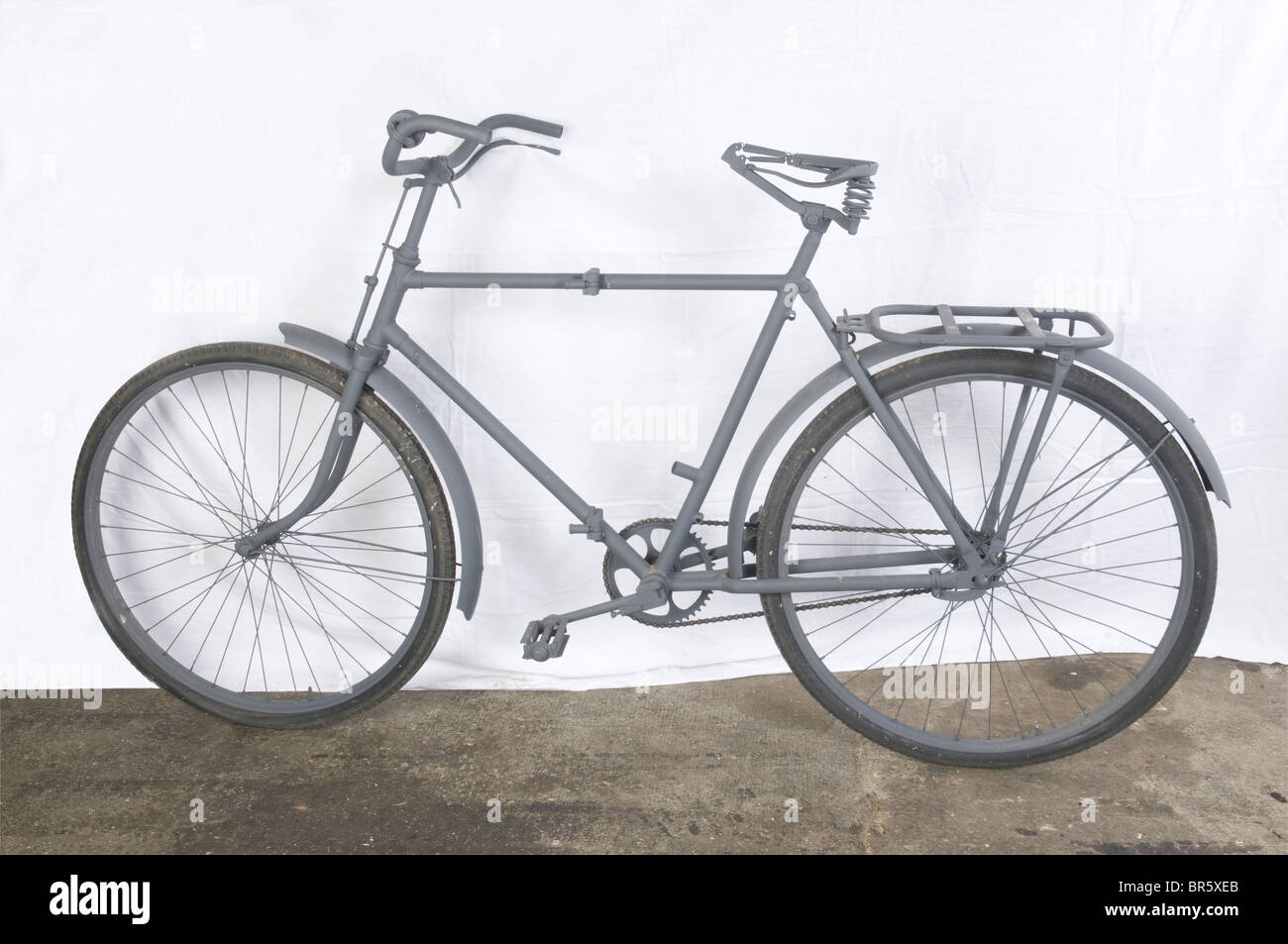 A Luftwaffe paratrooper's bicycle, foldable, restored. Lacking items: leather saddle, toolbox and handlebar - Stock Image