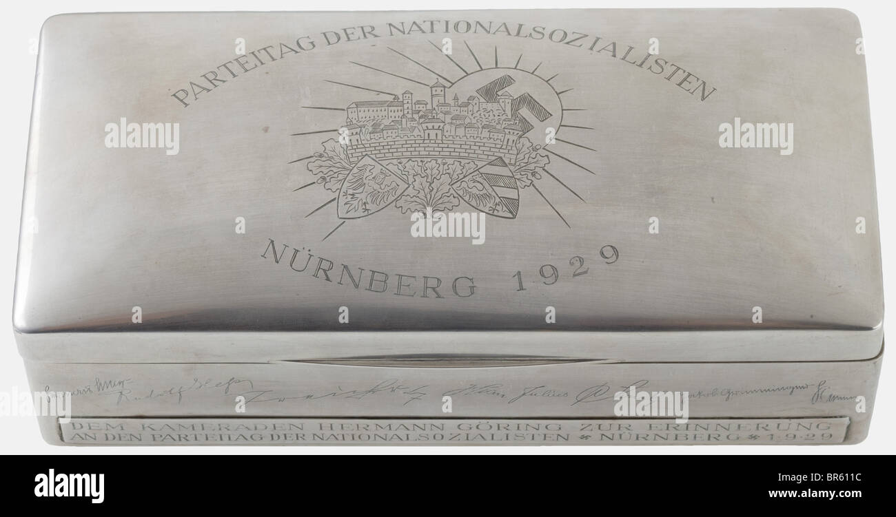 Hermann Göring, a silver cigar box, Nuremberg 1929 Domed lid with the engraved image of Nuremberg Castle in - Stock Image