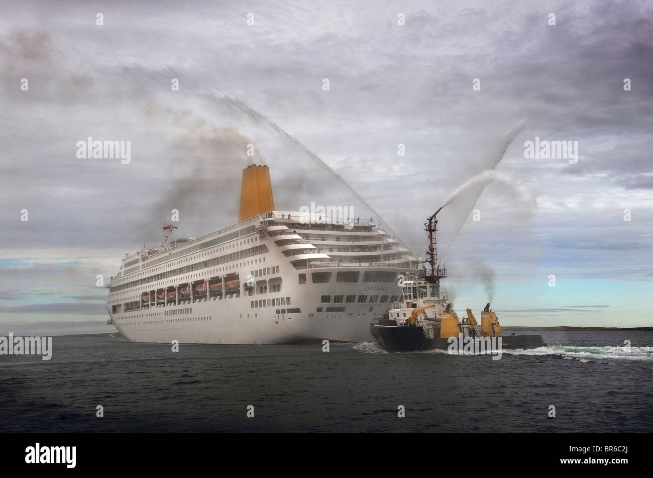 The Cruise ship Oriana leaving Kirkwall Harbour with a special farewell from an Orkney tug - Stock Image