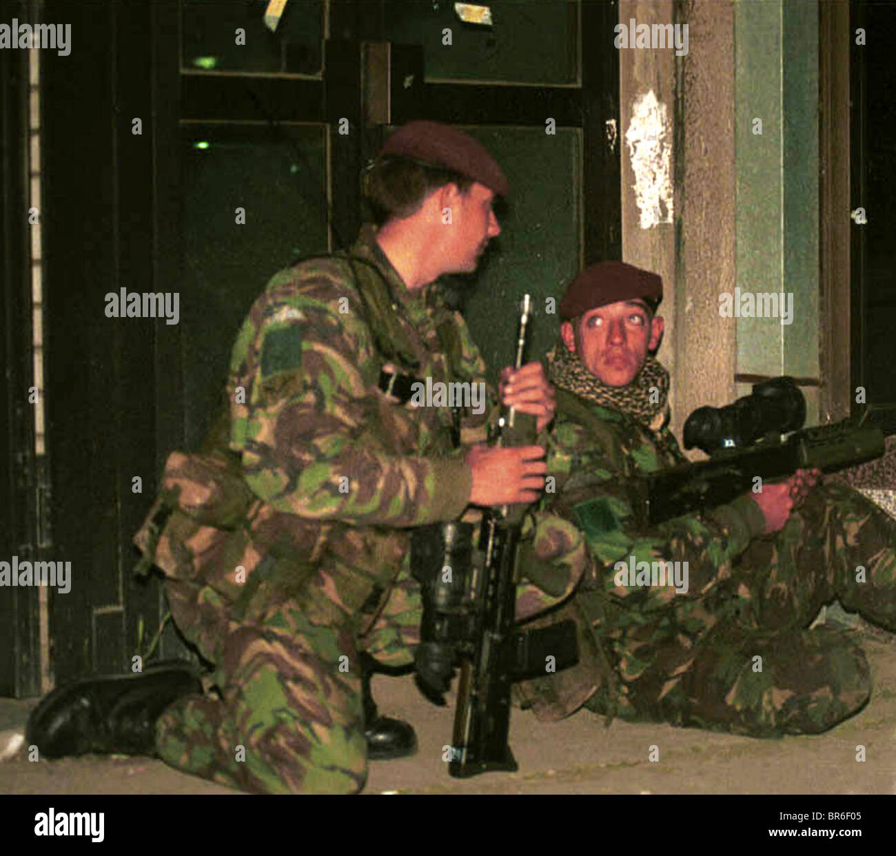 British Paratroopers on night patrol in Pristina, Kosovo. Stock Photo