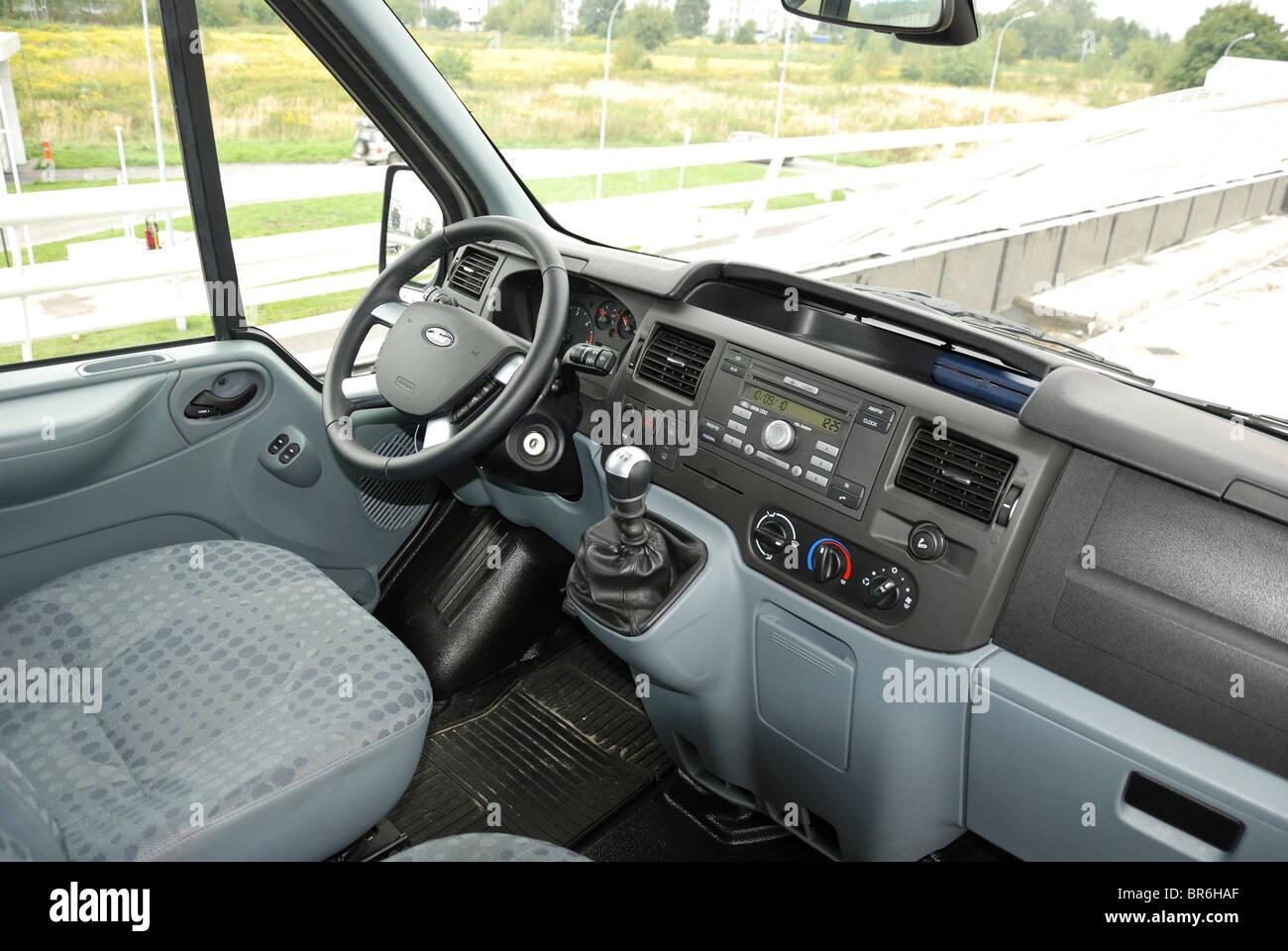 Ford Transit 2.4 TDCi AWD 140 T350 Trend panel van - Chill - MWB Stock Photo: 31492791 - Alamy