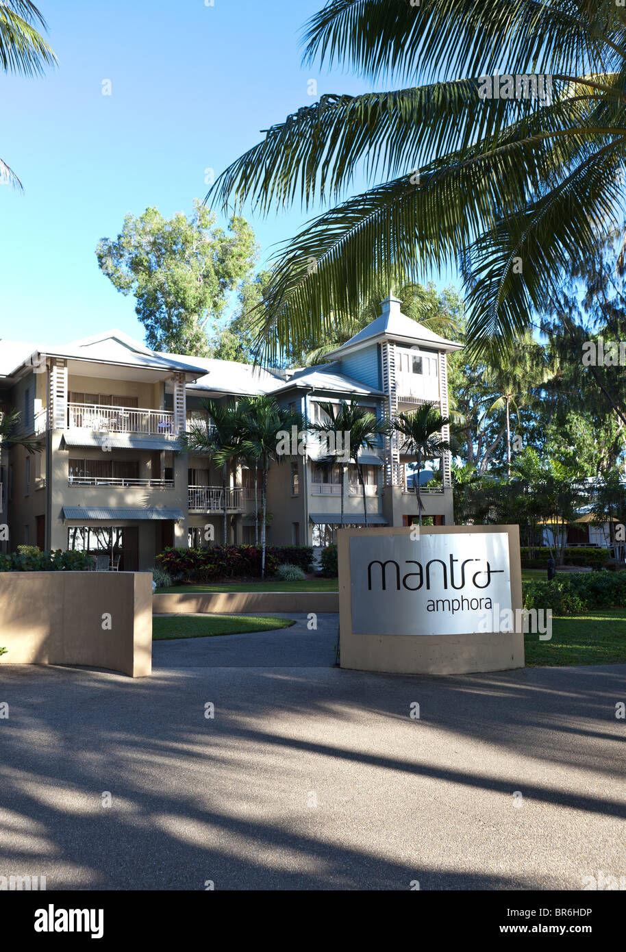 Mantra hotel in Palm Cove, Queensland - Stock Image