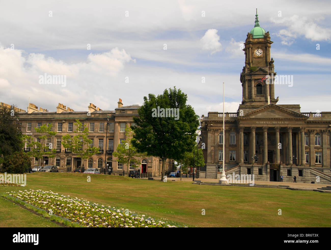 Hamilton Square and Birkenhead Town Hall which is now the Wirral Museum. - Stock Image