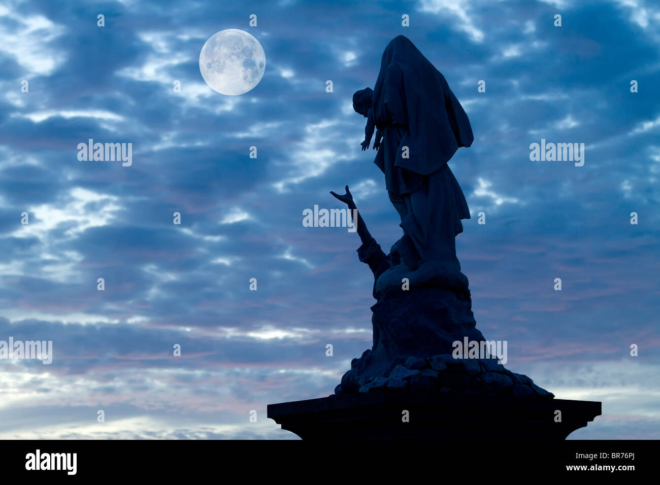 notre dame des naufragés statue at pointe du raz (raz point), brittany, france Stock Photo