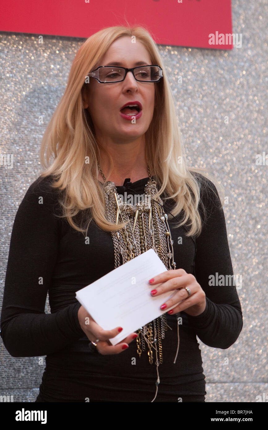 Nicky Hambleton-Jones (presenter of Ten Years Younger) hosting a Catwalk Show at Bracknell Fashion - Stock Image