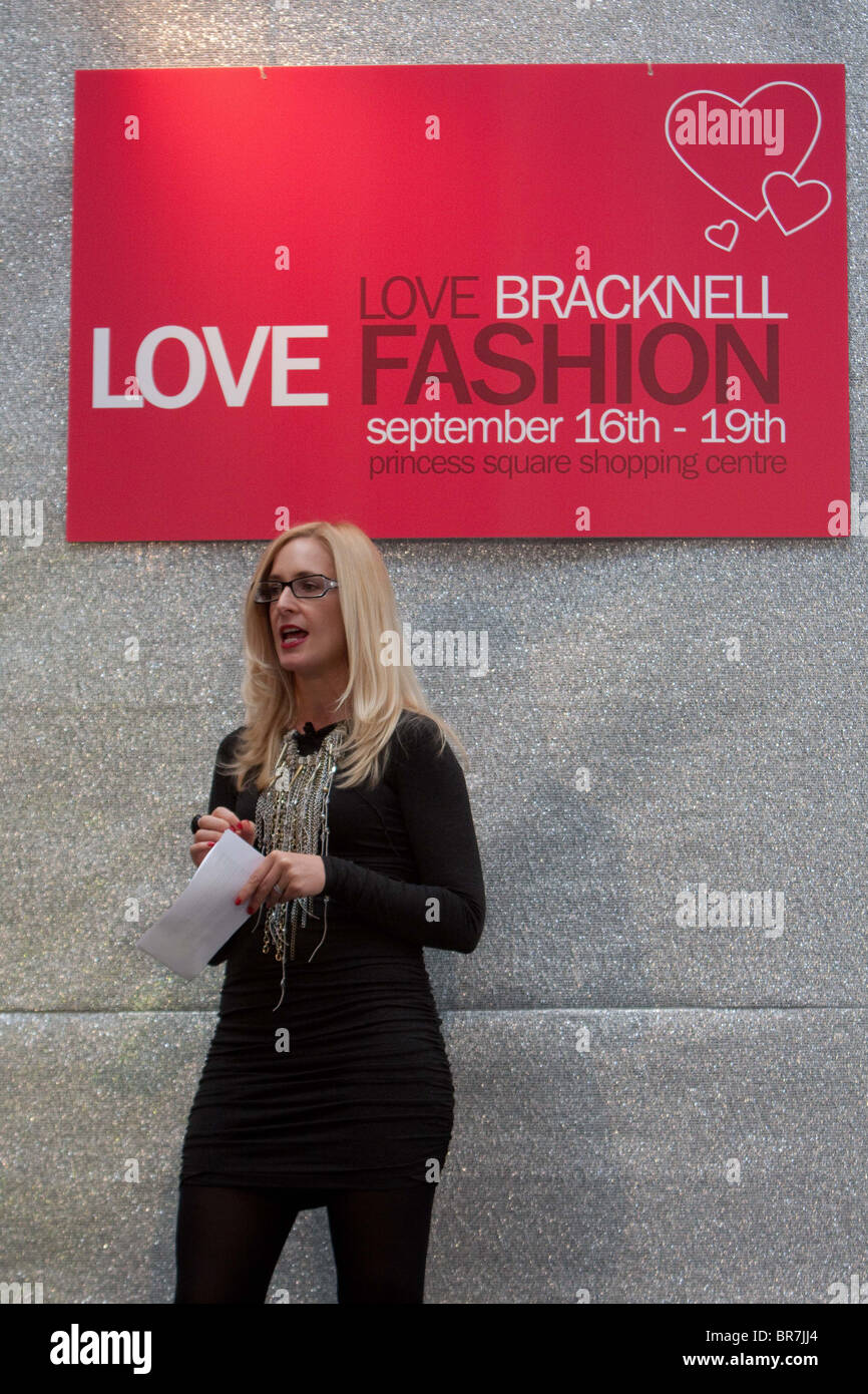 Nicky Hambleton-Jones (presenter of Ten Years Younger) hosting a Catwalk Show at Bracknell Fashion - Stock Image