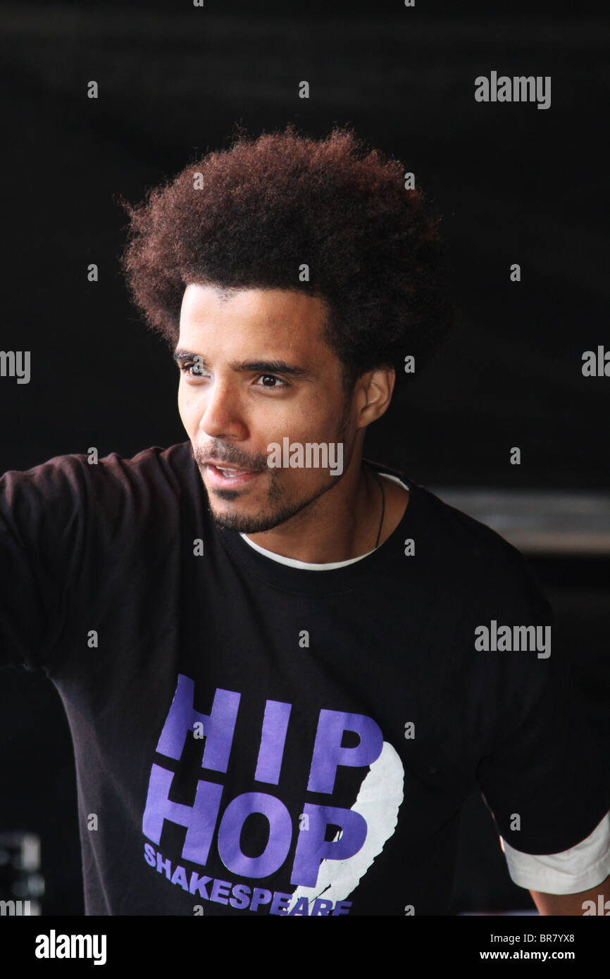 Rapper Kingslee James Daley, The Black Shakespeare singing into microphone. Hip Hop to celebrate Perth Concert Hall's Stock Photo