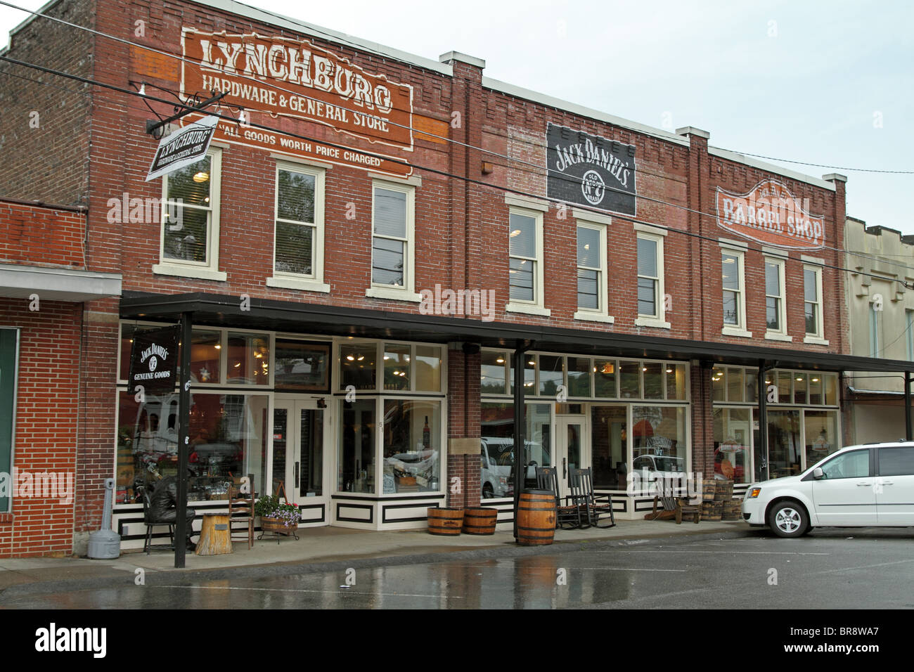 jack daniels hardware general store and barrel shop lynchburg stock photo 31542959 alamy. Black Bedroom Furniture Sets. Home Design Ideas