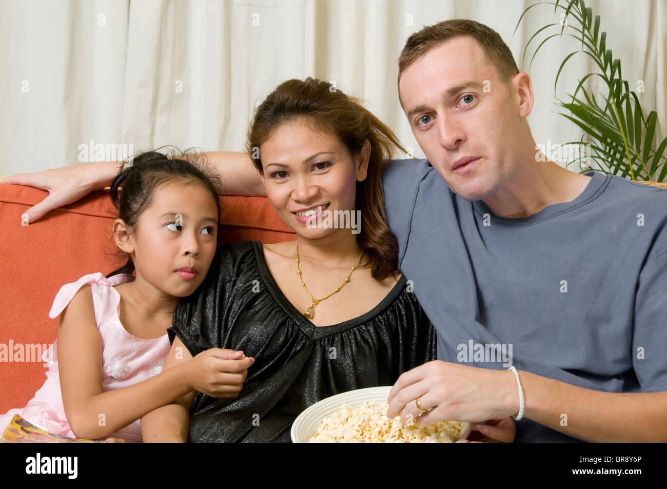 Interracial Bilder von jungen Mädchen — bild 5