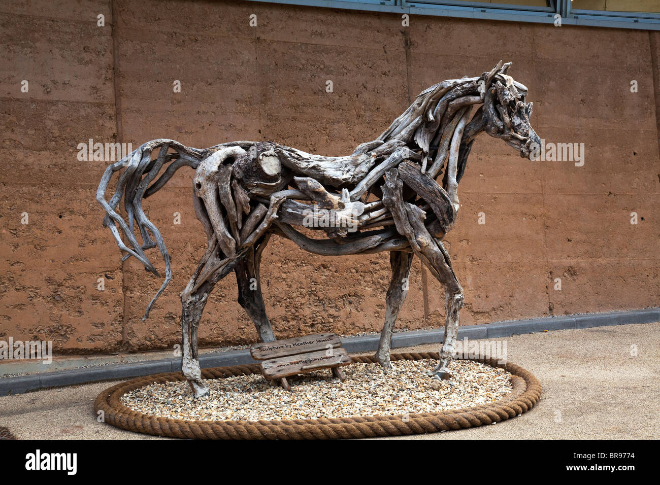 Wooden Horse Sculpture By Heather Jansch At The Eden Project Stock Photo Alamy