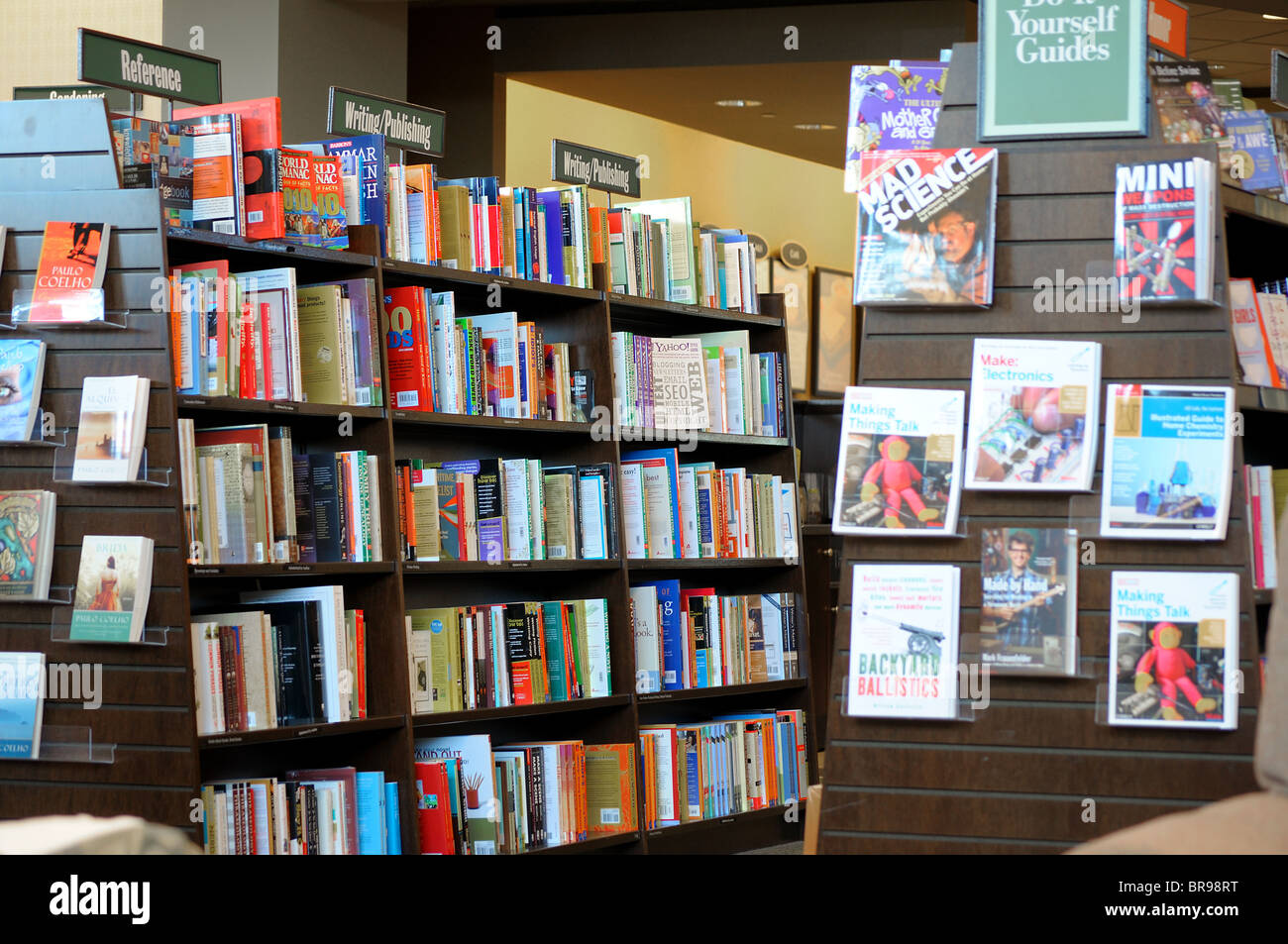 book store interior shelves filled with books for sale at borders stock photo 31551964 alamy. Black Bedroom Furniture Sets. Home Design Ideas