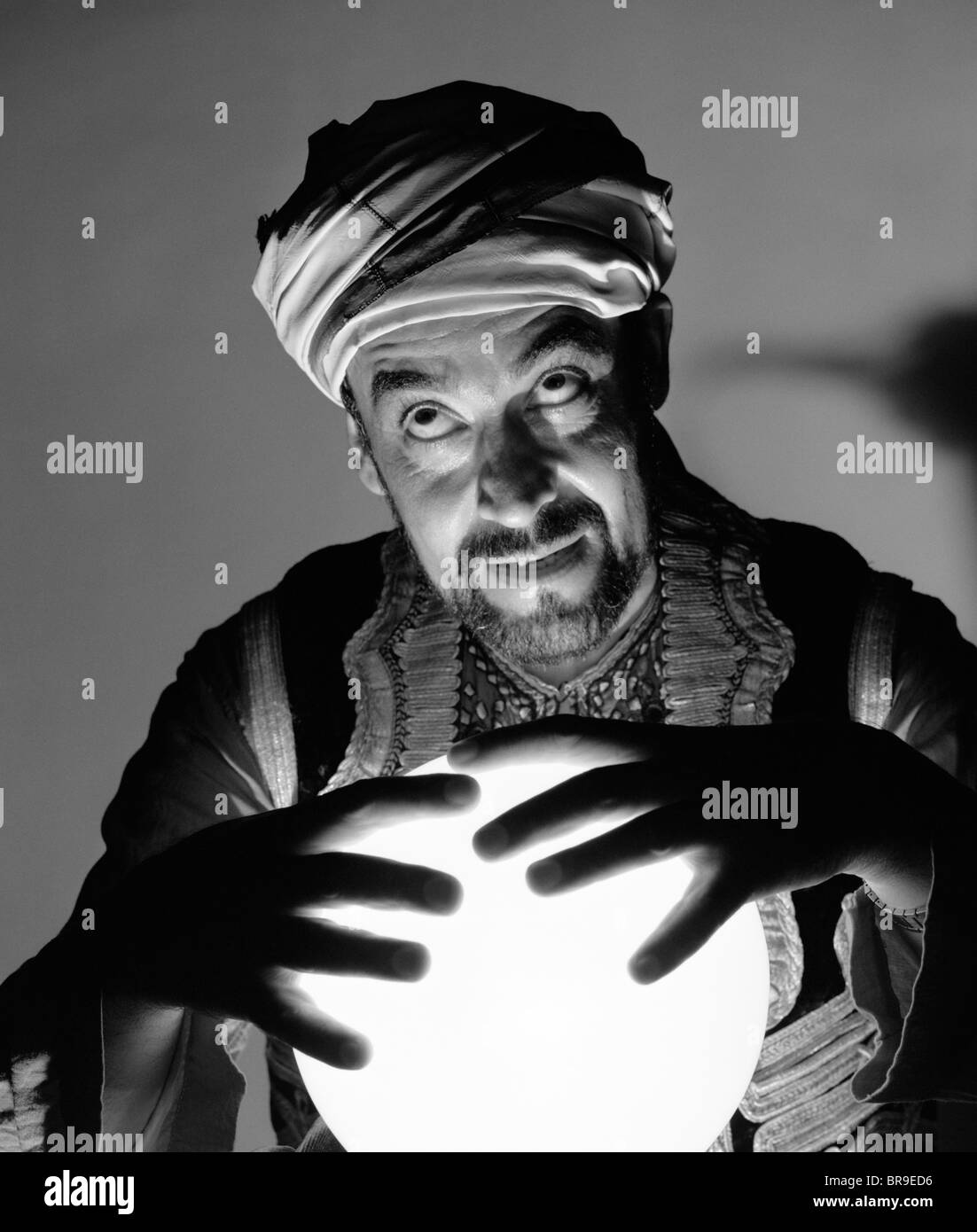 1970s SCARY FORTUNE TELLER MAN WITH HANDS ON LIGHTED ... Crystal Ball Fortune Teller