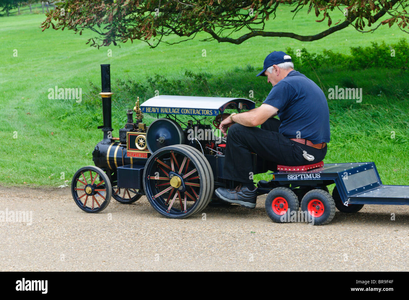 A working scale model traction engine at the Sandringham Game & Country Fair. - Stock Image