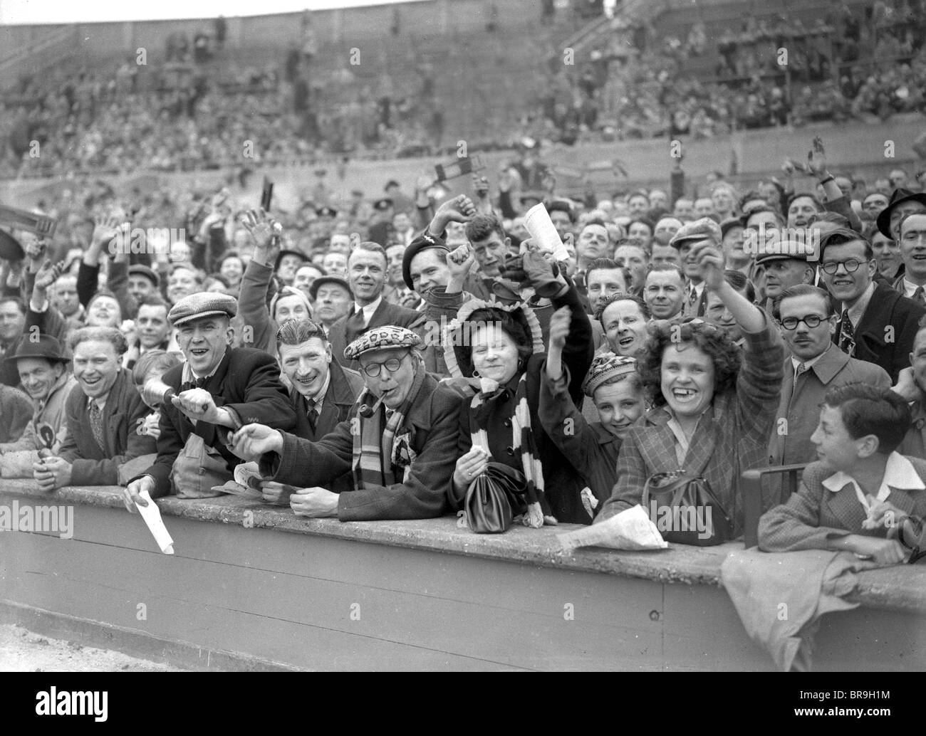 Wolverhampton Wanderers football supporters at the 1949 FA Cup Final at Wembley - Stock Image