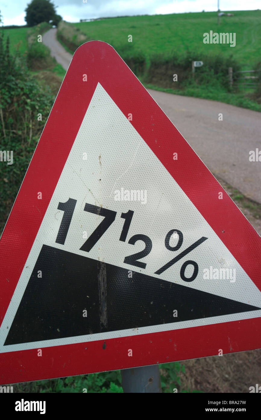 Road sign showing hill of 17.5% - VAT Tax will rise from 17.5% to 20% in the UK in Jan 2011 - Stock Image