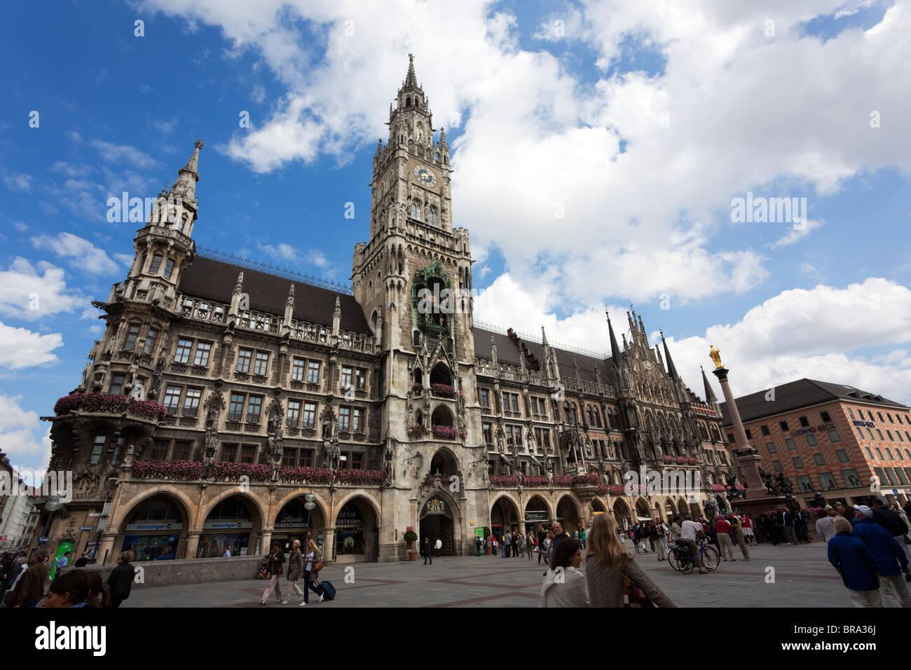 """new Town Hall """"Neues Rathaus"""" at Marienplatz Munich Stock Photo"""
