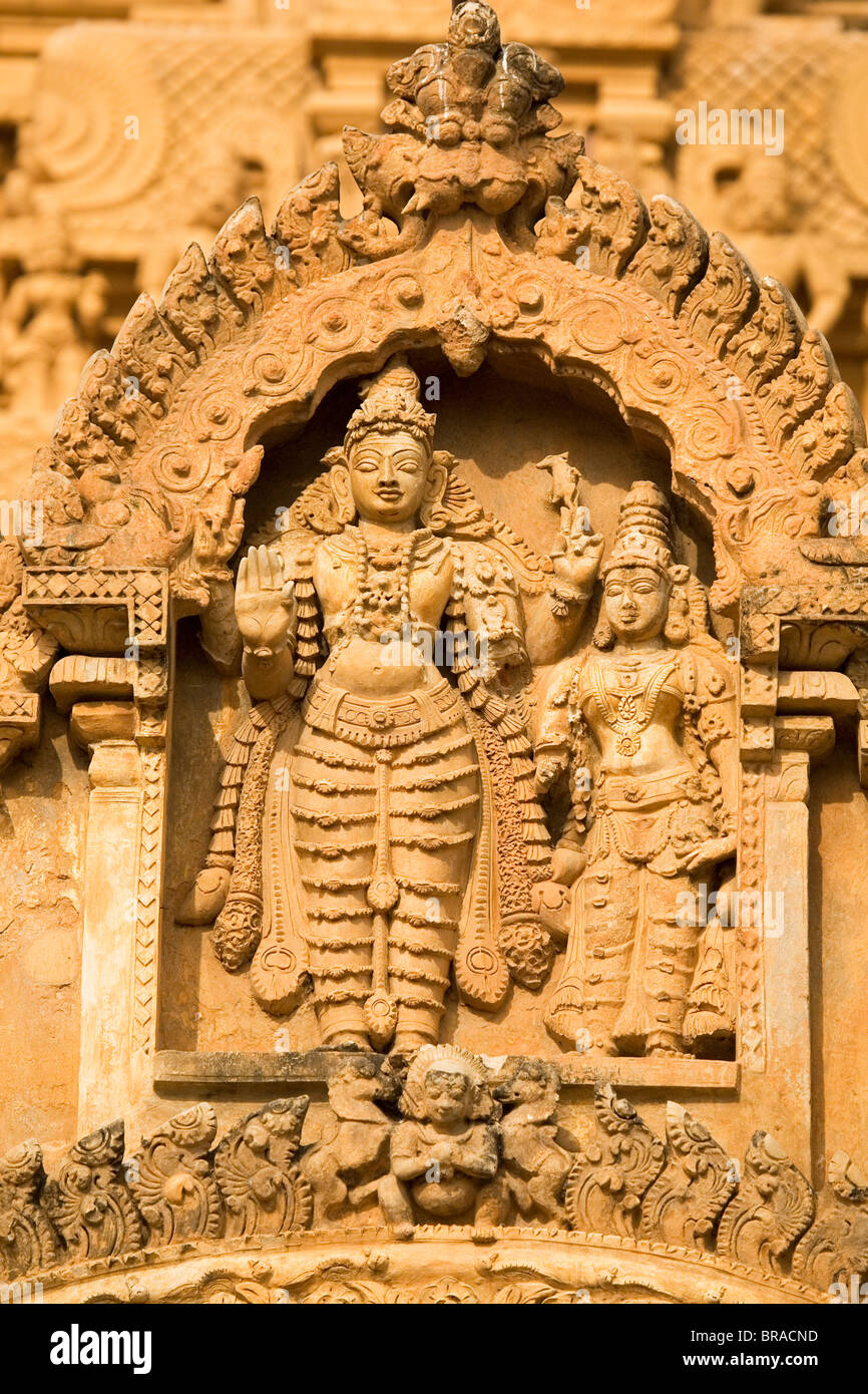 Detail of sculpted Hindu deities on the Bridhadishwara Temple complex in Thanjavur, UNESCO, Tamil Nadu, India Stock Photo